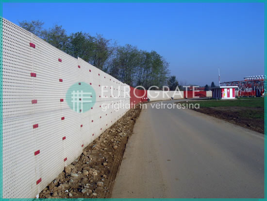 fibreglass fencing application in an airport