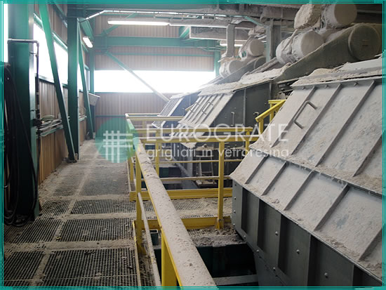 fibreglass gratings for the protection of workers in the mining industry