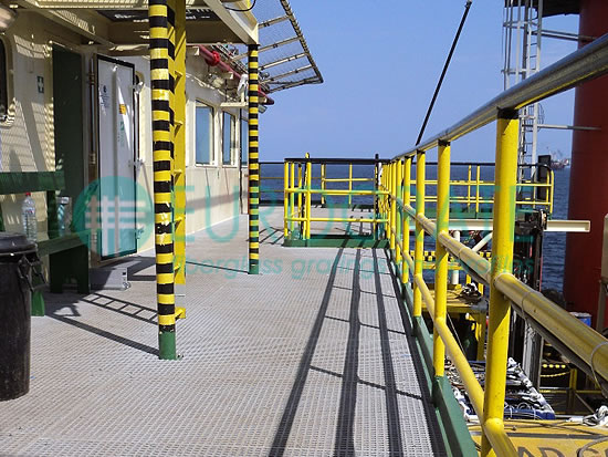 gratings and safety handrails for the offshore sector