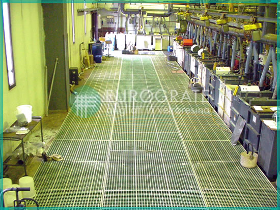 flooring with fibreglass gratings used in galvanising plants