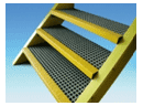 Stair treads with 20 x 20 h 40 mesh