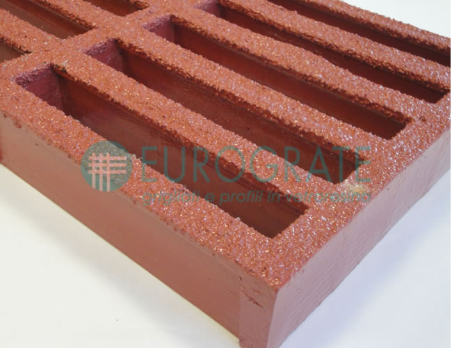 Grating with ASTM F3059-15 L2 Phenolic Resin