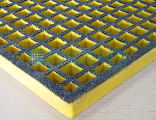 Grating with Dissipative ESD Open Surface