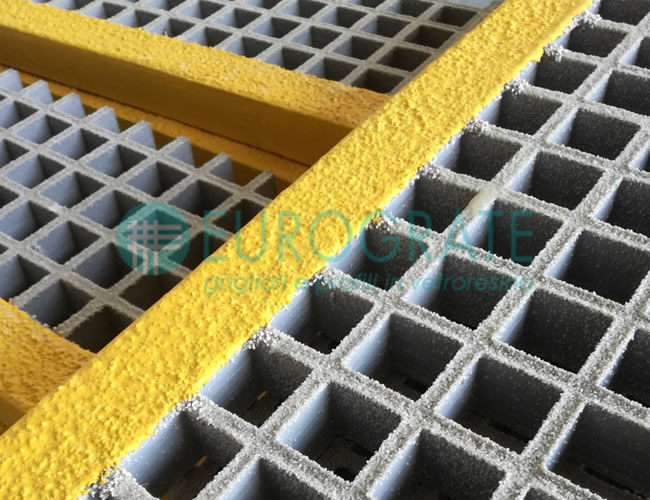 Grating with Safety Surfaces