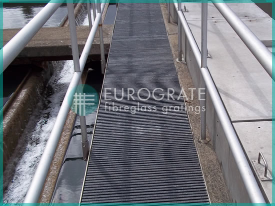 corrosion-resistant fibreglass walkways